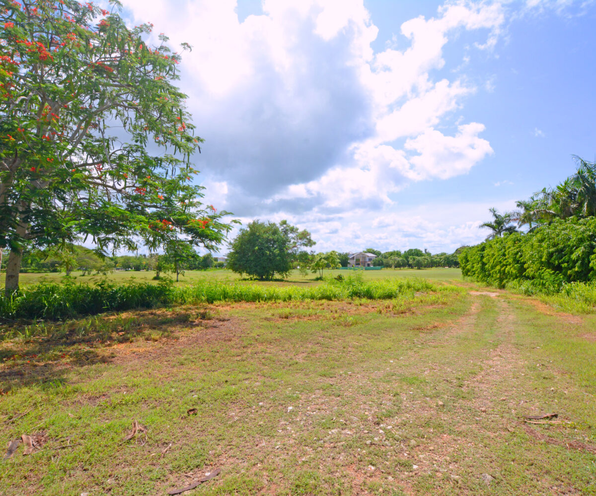 Prime Location Land For Sale in Casa de Campo La Romana